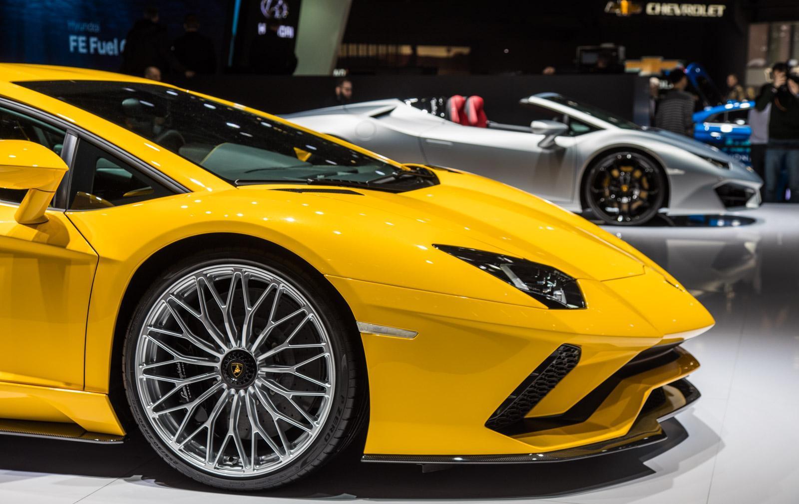 Lamborghini-aventador-s-003