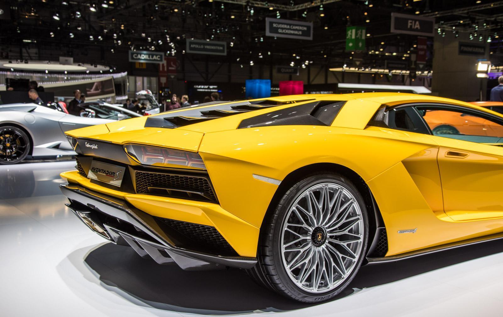 Lamborghini-aventador-s-008