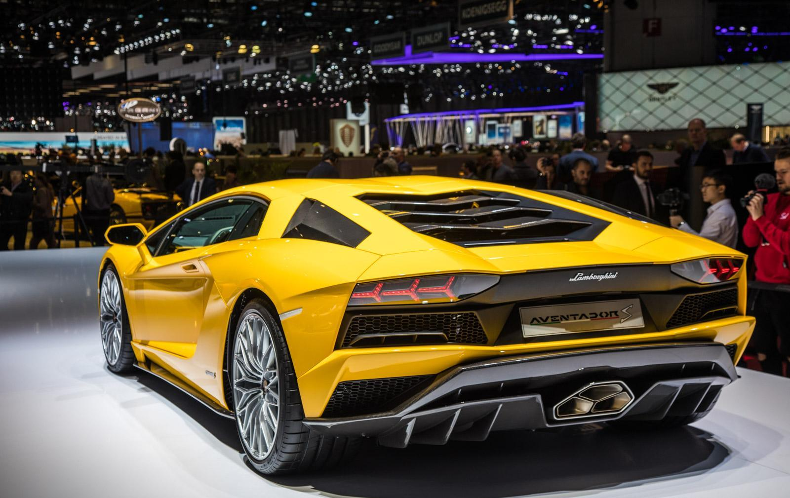 Lamborghini-aventador-s-012
