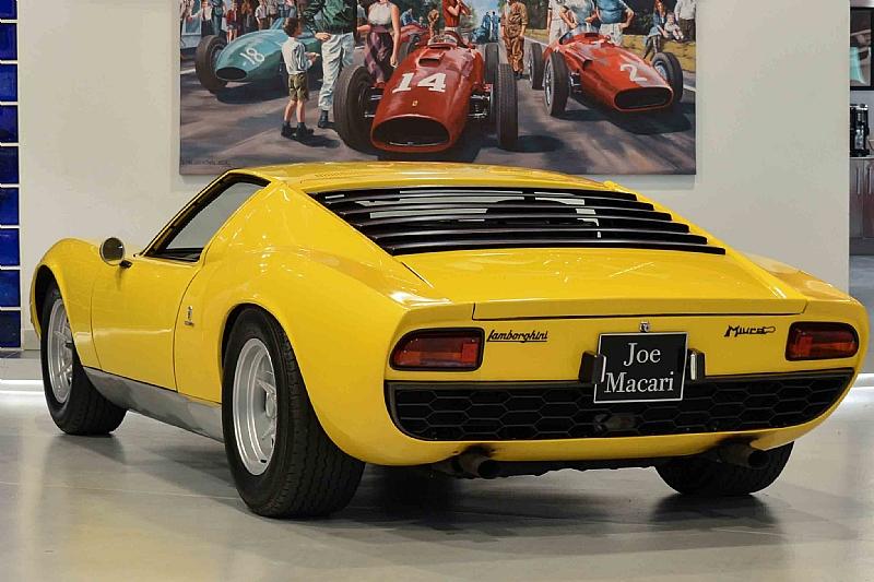 Lamborghini_Miura_01