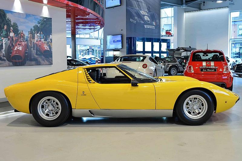 Lamborghini_Miura_06