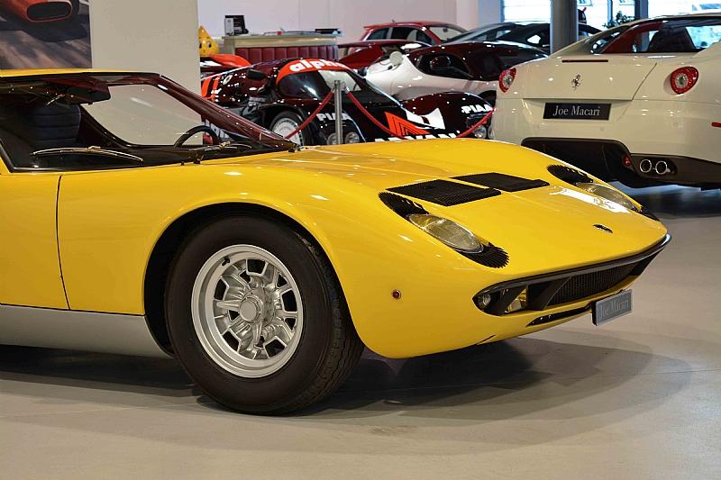 Lamborghini_Miura_08