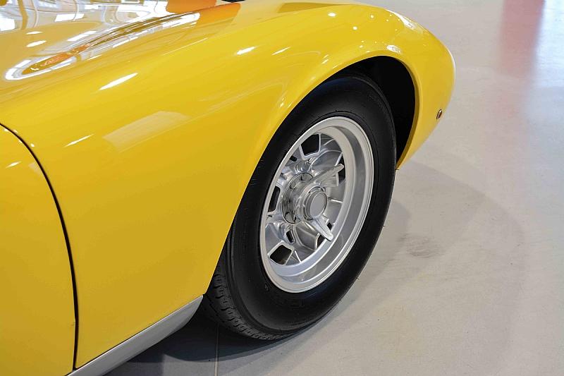 Lamborghini_Miura_10