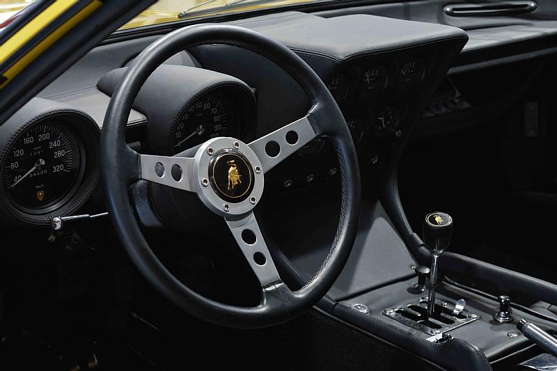 Lamborghini_Miura_13