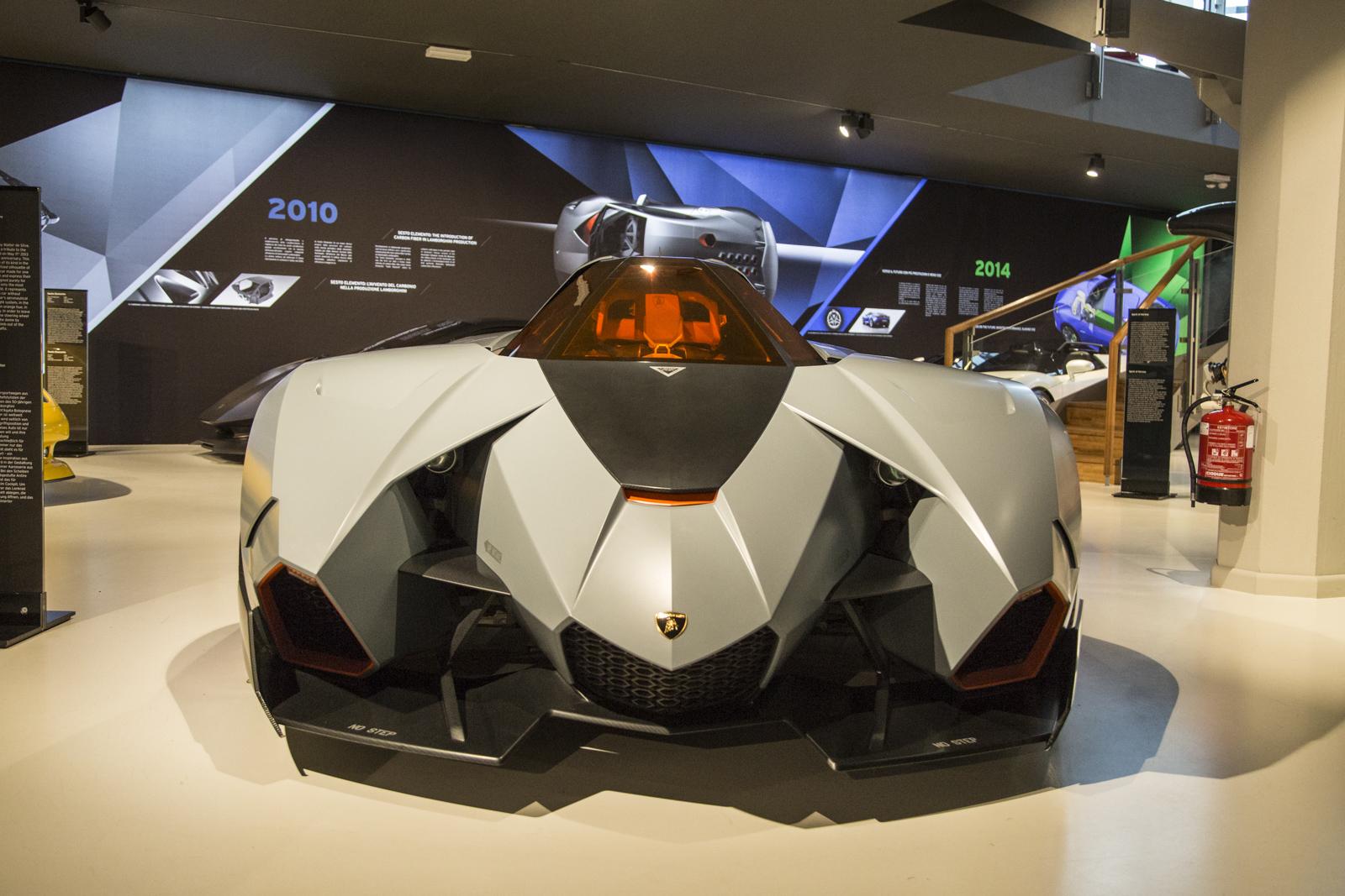 Lamborghini_museum_02