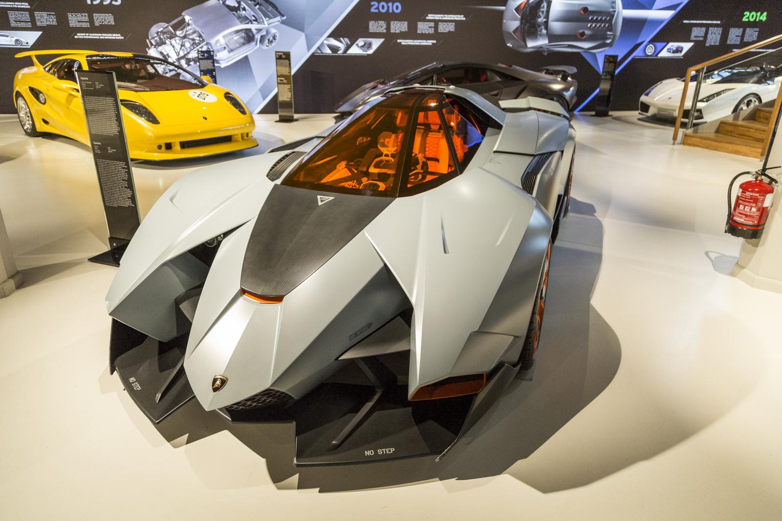 Lamborghini_museum_03