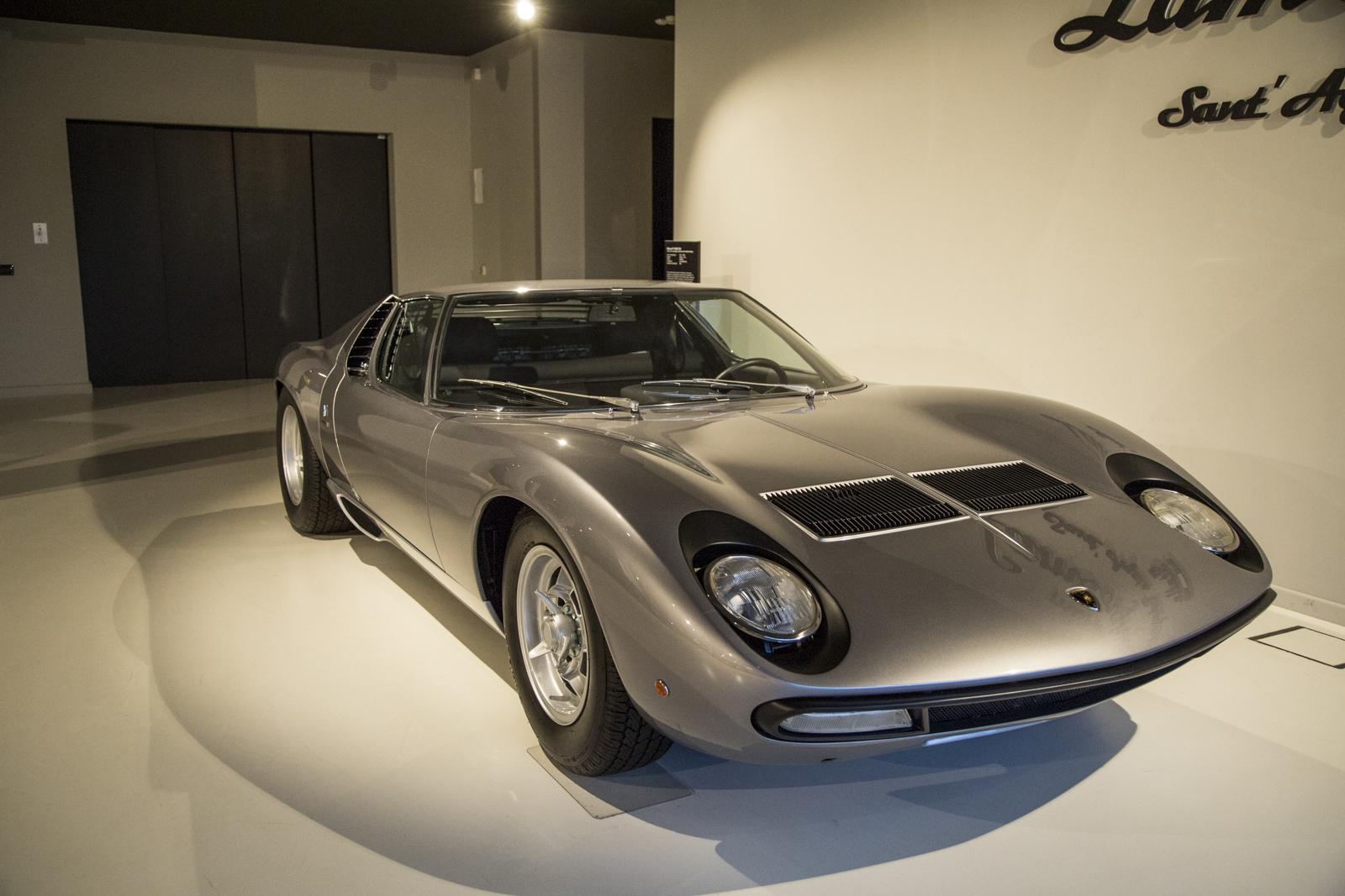 Lamborghini_museum_11