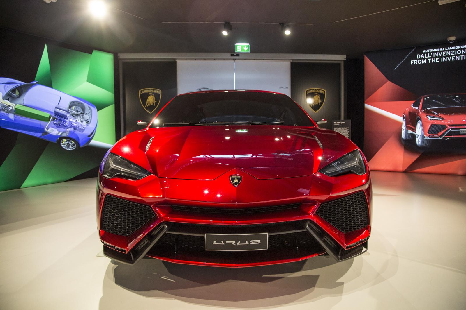 Lamborghini_museum_18