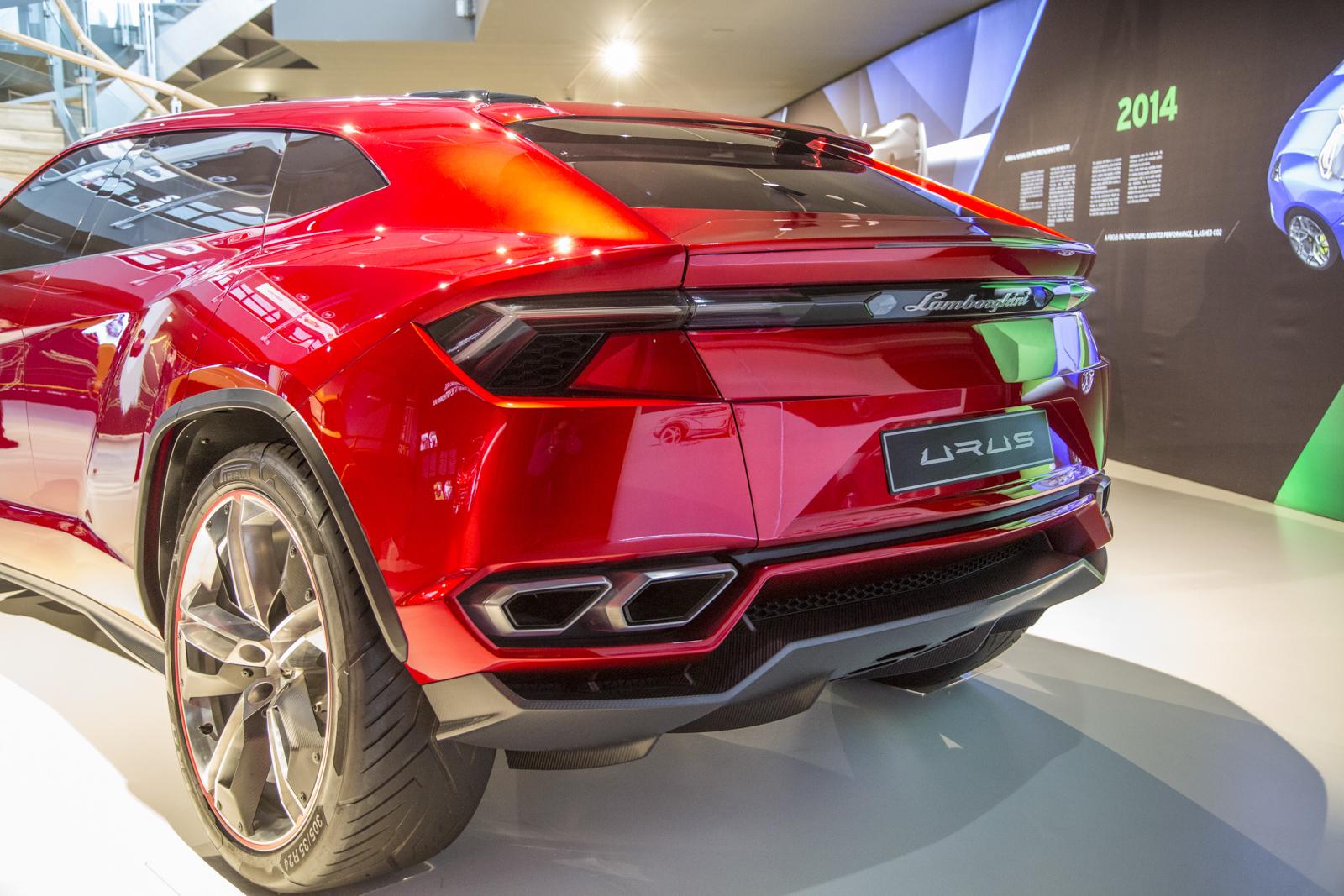 Lamborghini_museum_20