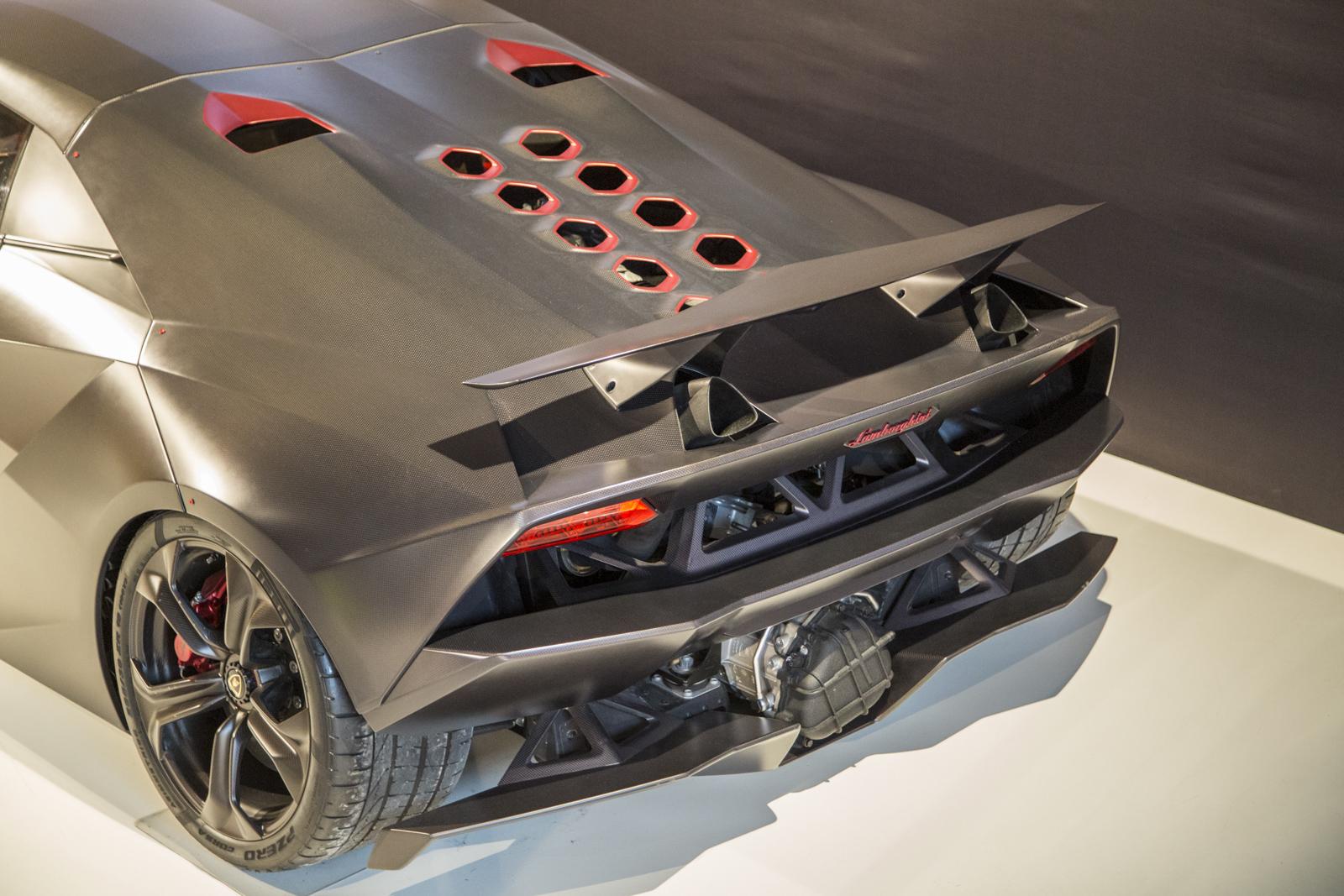 Lamborghini_museum_29