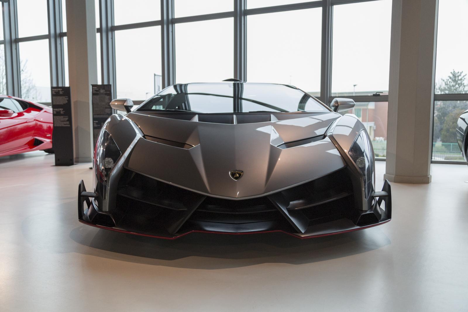 Lamborghini_museum_37