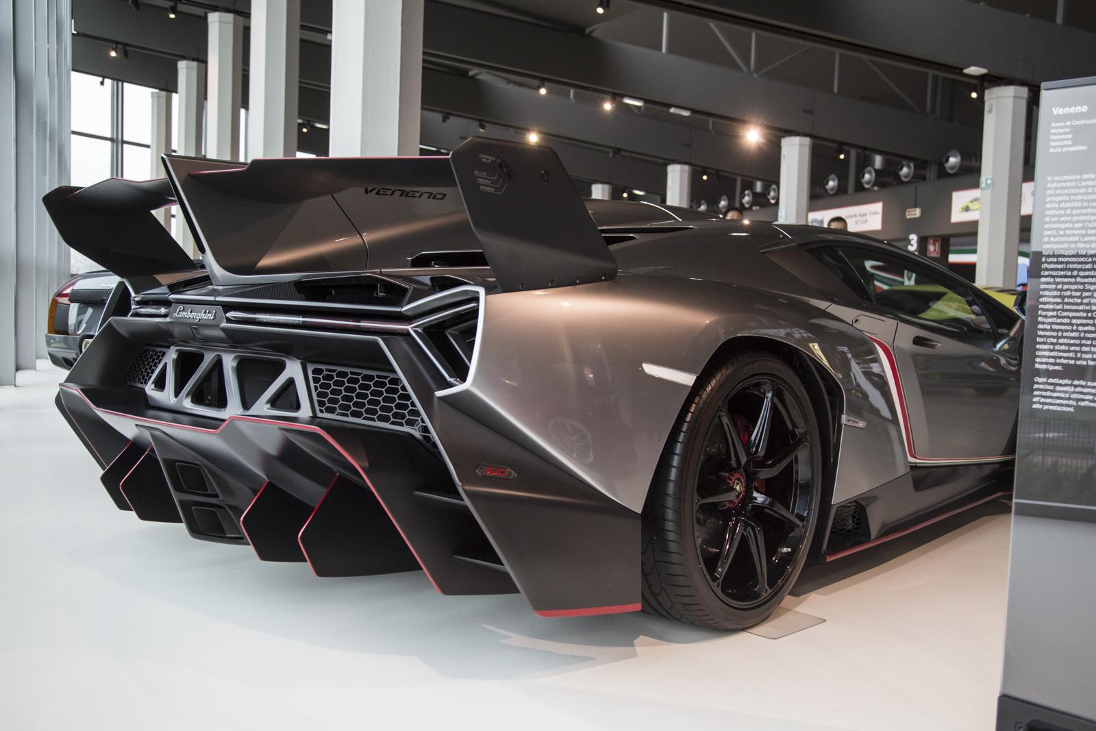 Lamborghini_museum_39