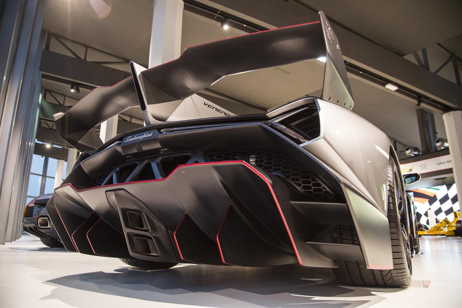 Lamborghini_museum_58
