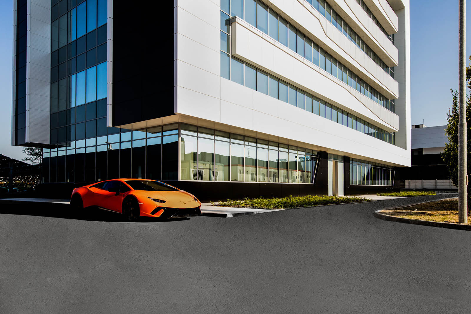 Lamborghini_offices_04