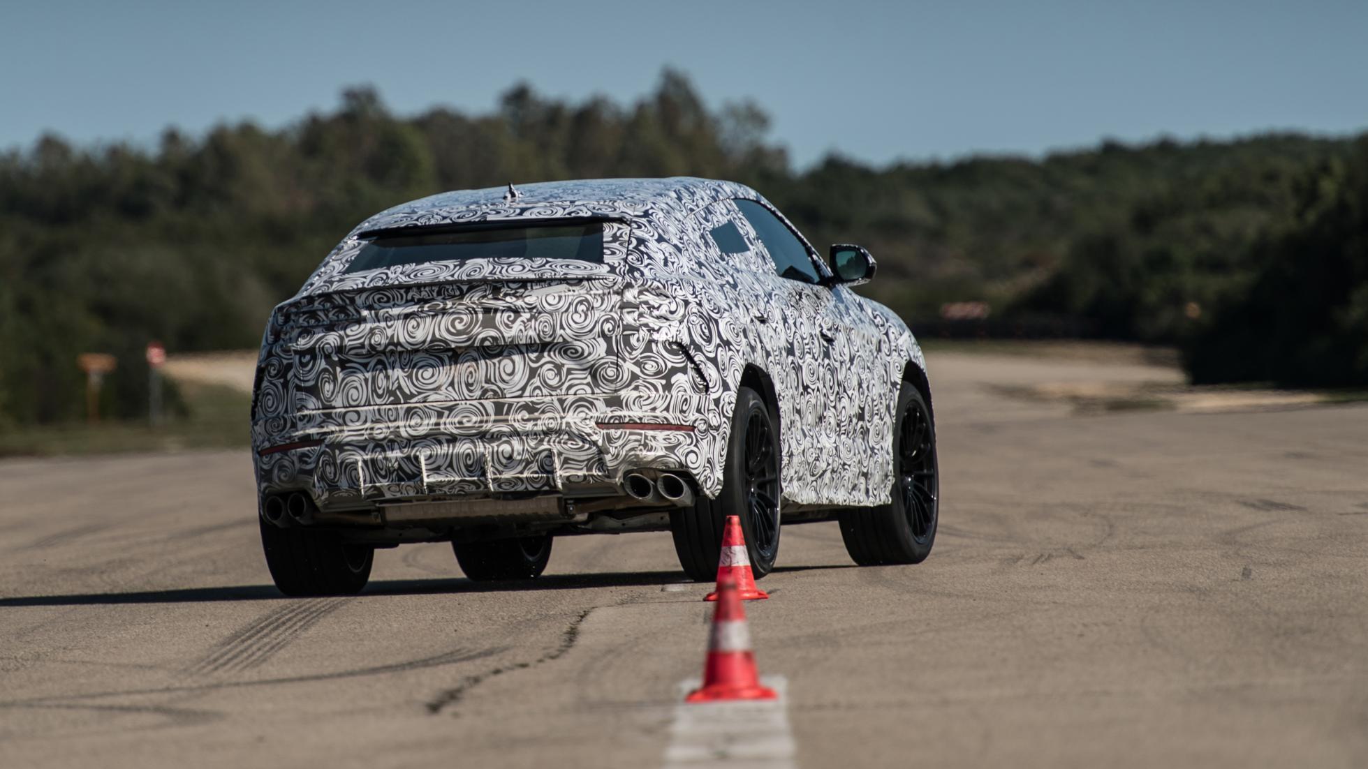 Lamborghini_Urus_leaked_20