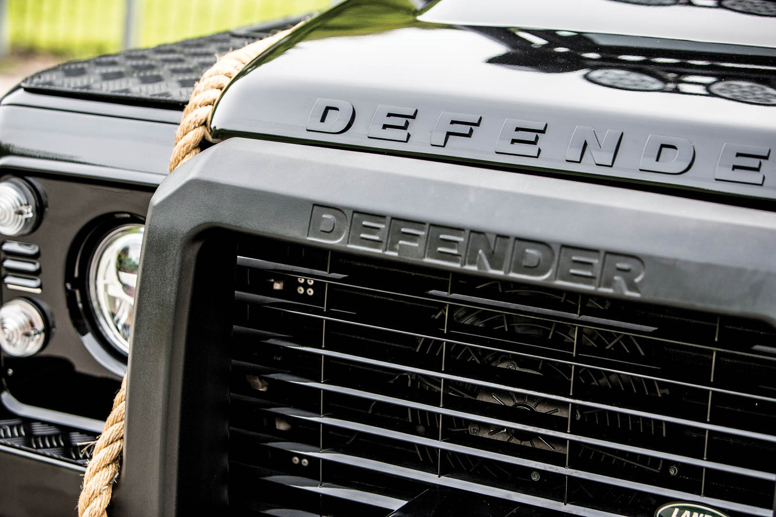 Land Rover Defender SVX Concept Spectre James Bond (19)