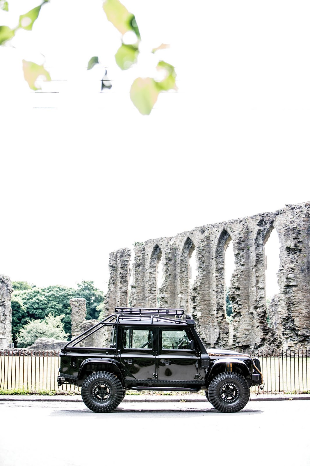 Land Rover Defender SVX Concept Spectre James Bond (4)