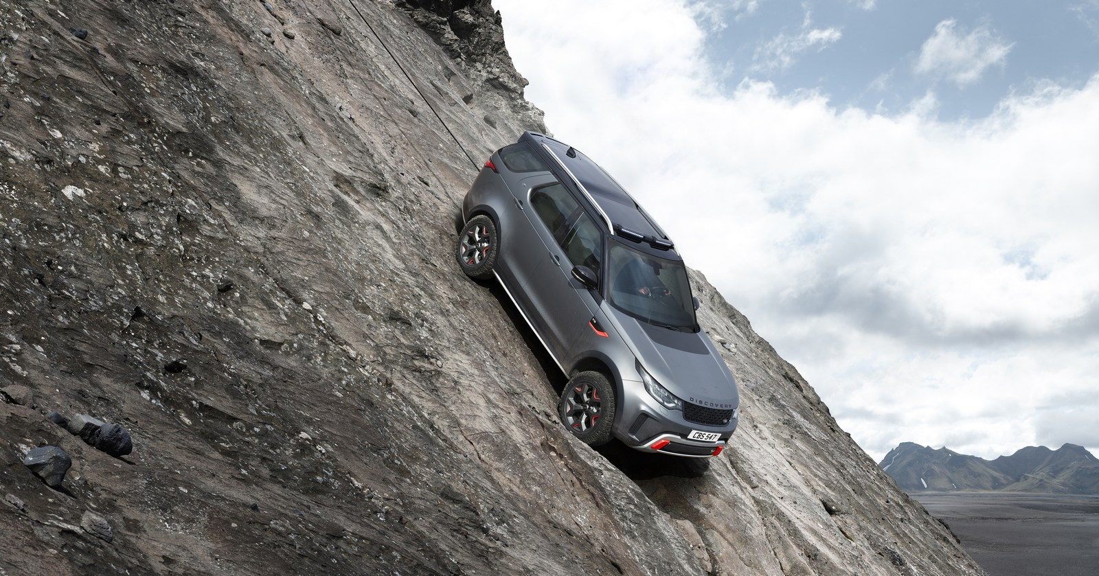 Land-Rover-Discovery-SVX-10