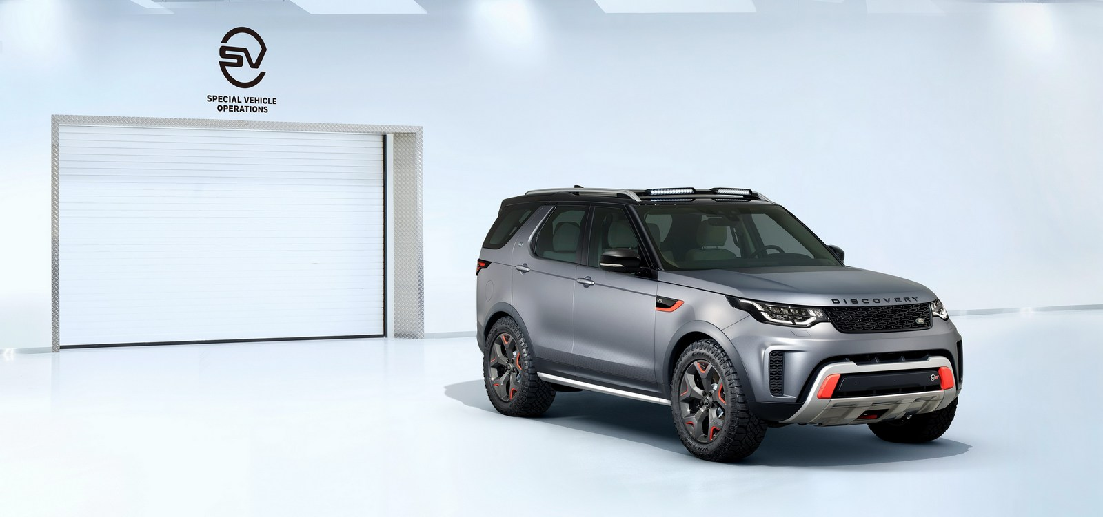 Land_Rover_Discovery_SVX_01