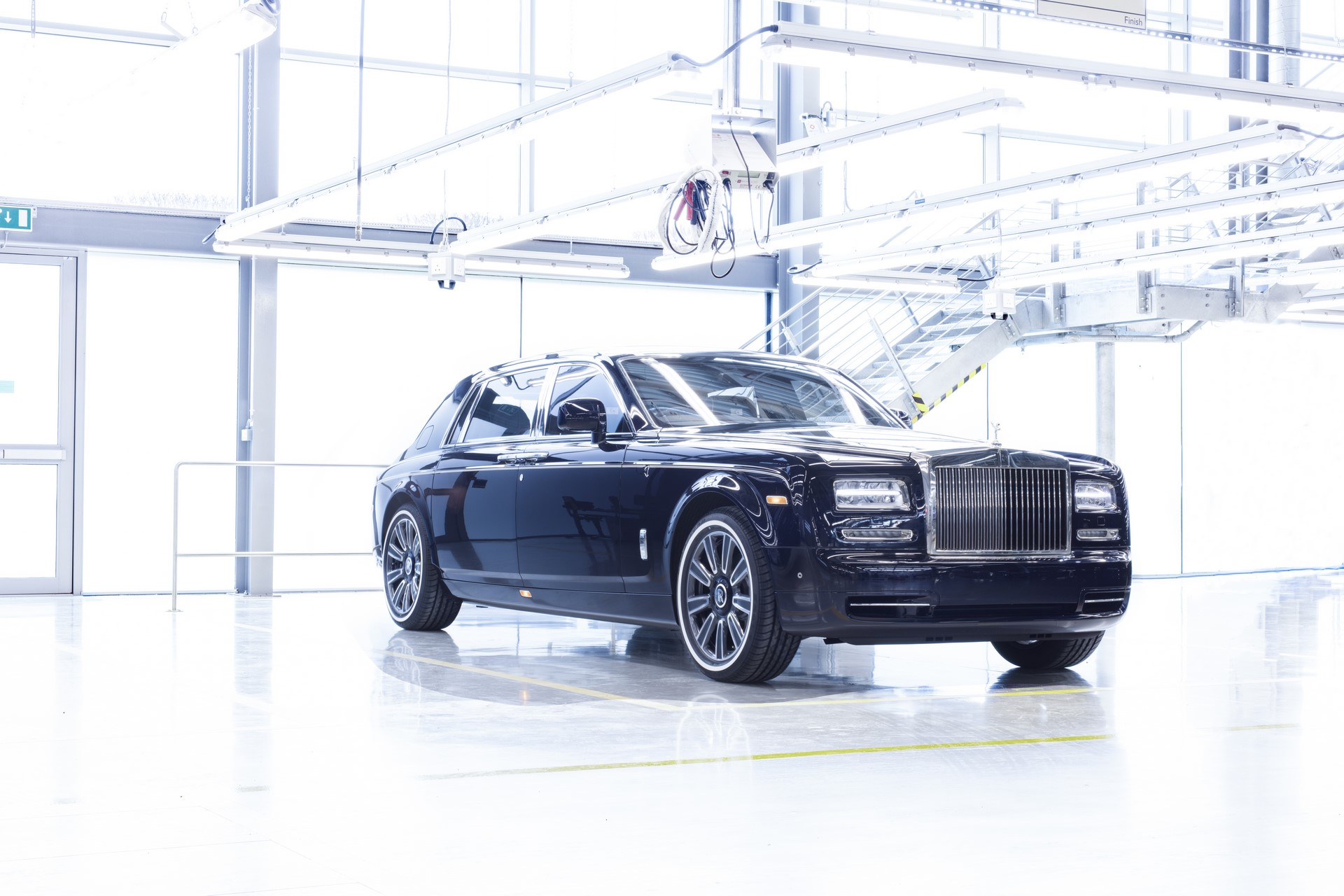 Last Rolls-Royce Phantom VII (1)
