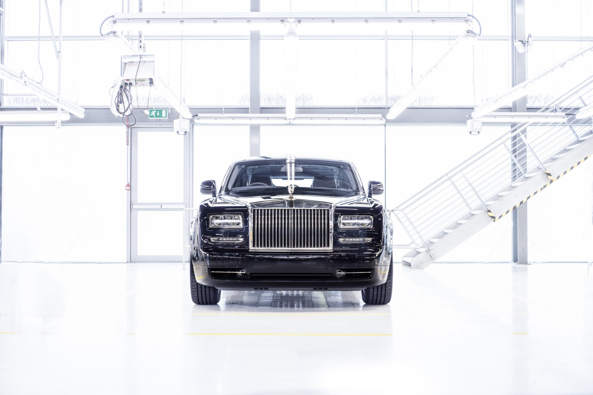 Last Rolls-Royce Phantom VII (2)