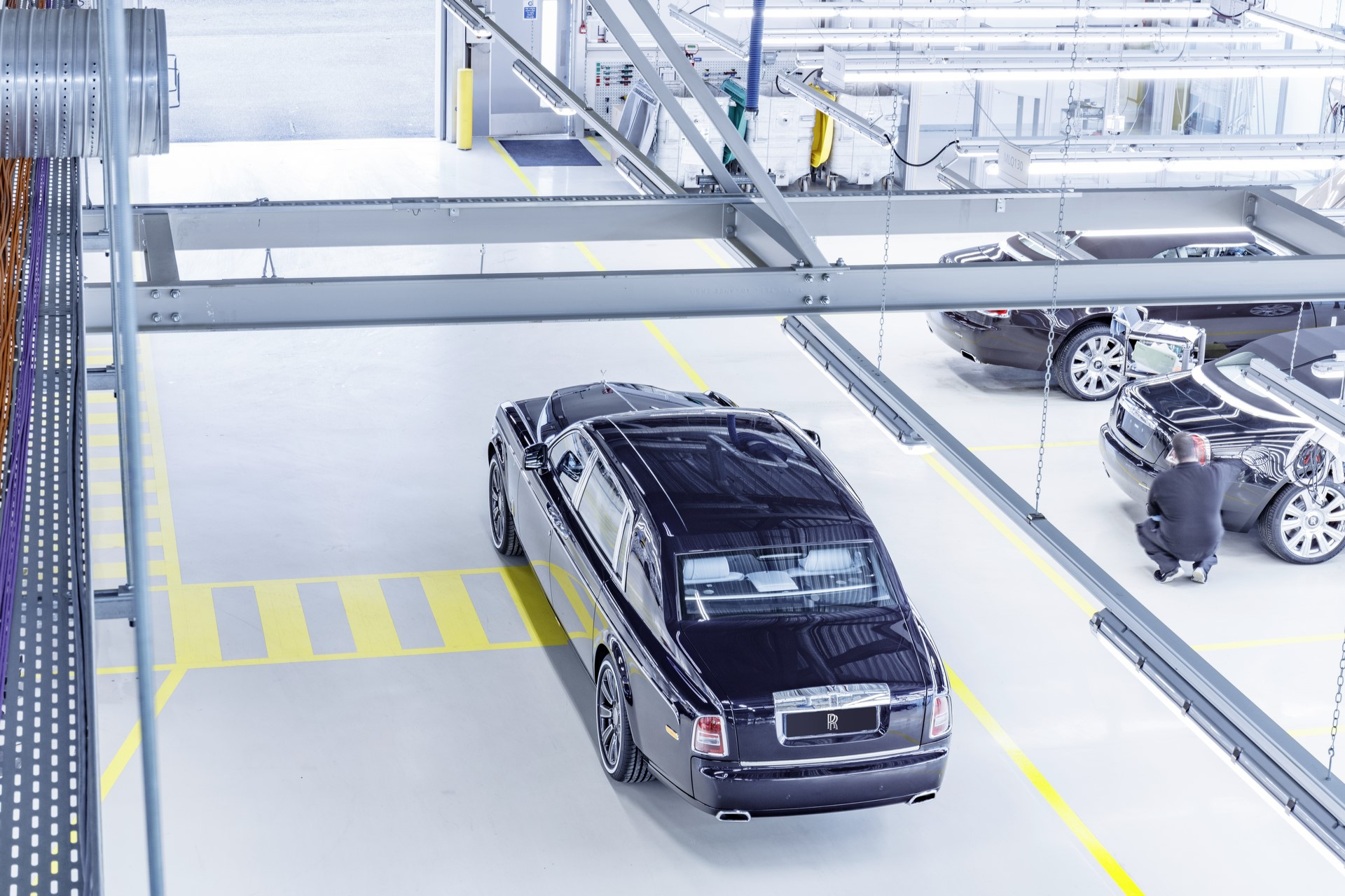 Last Rolls-Royce Phantom VII (3)