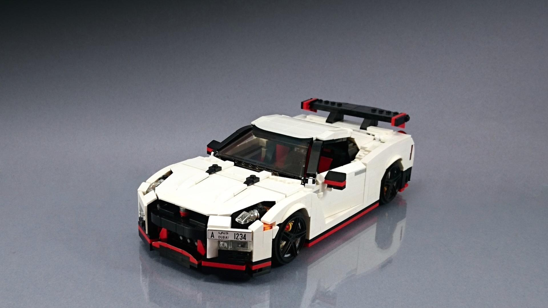 Lego_Nissan_GT-R_Nismo_01