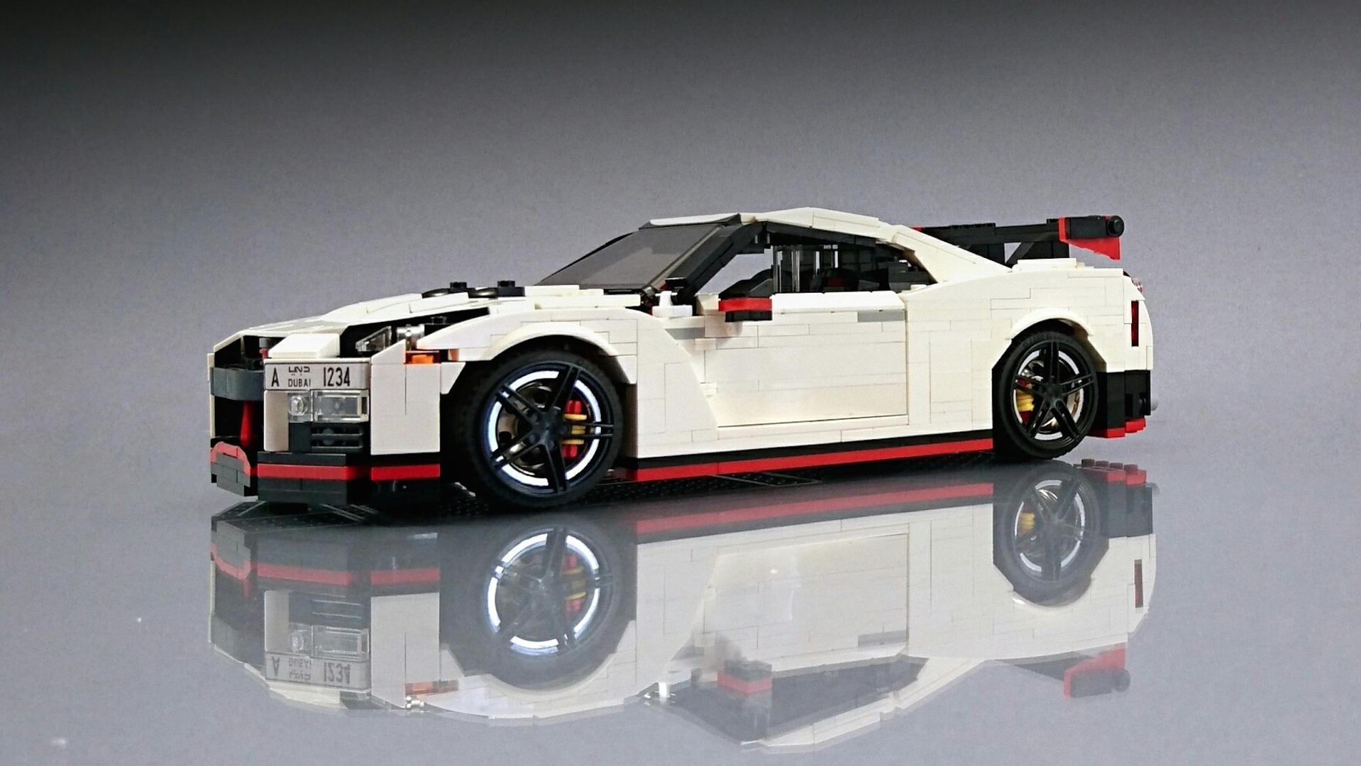 Lego_Nissan_GT-R_Nismo_02