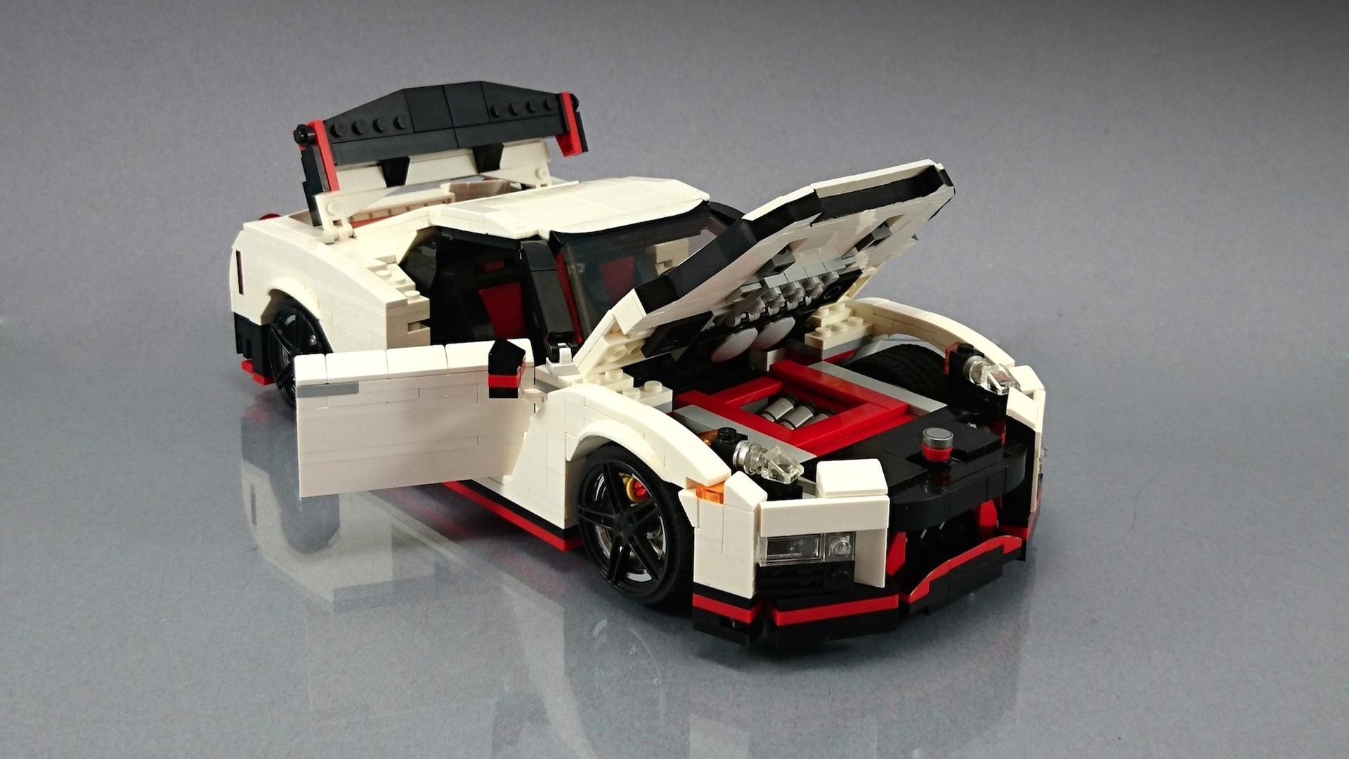 Lego_Nissan_GT-R_Nismo_04
