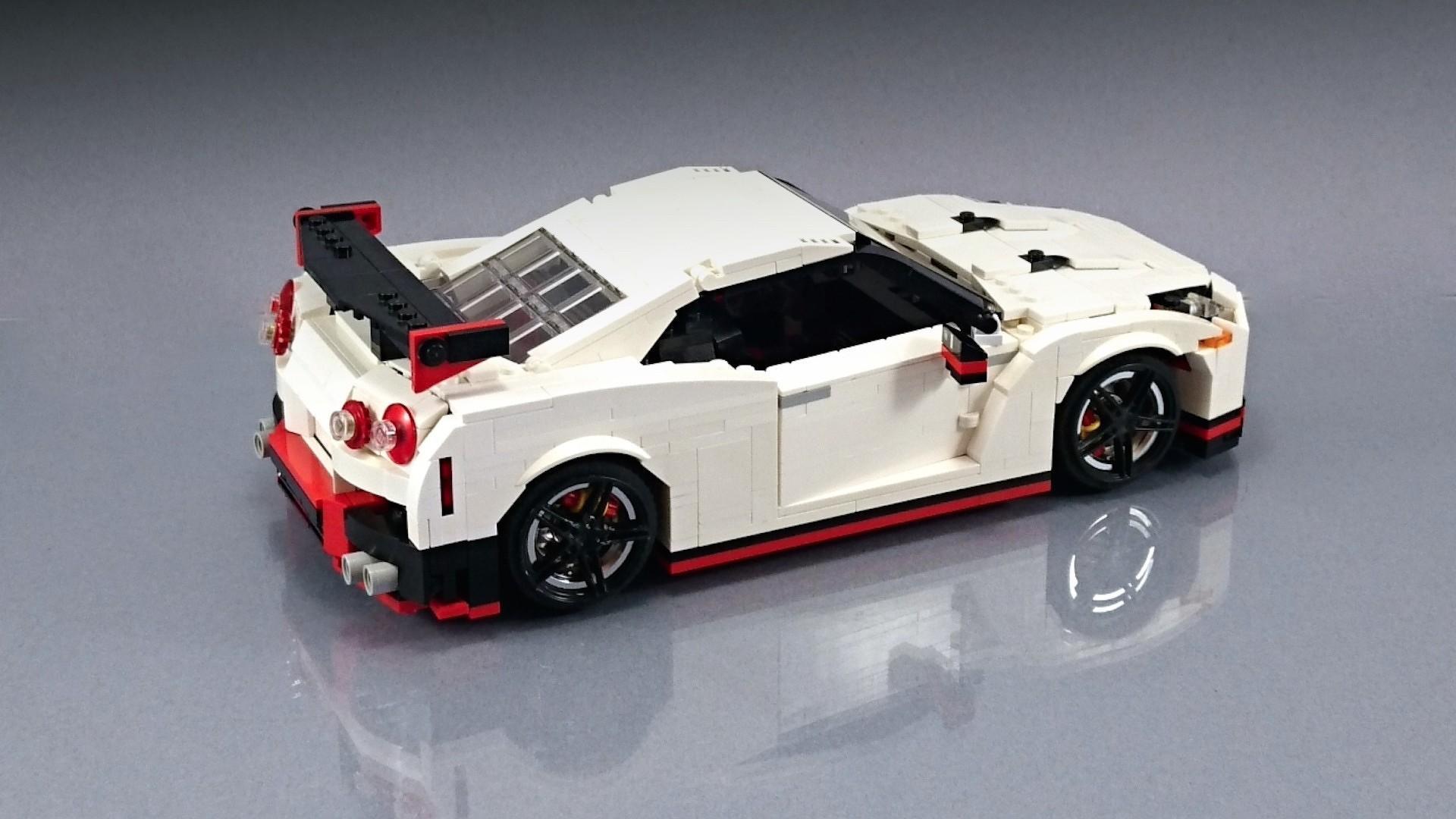 Lego_Nissan_GT-R_Nismo_05