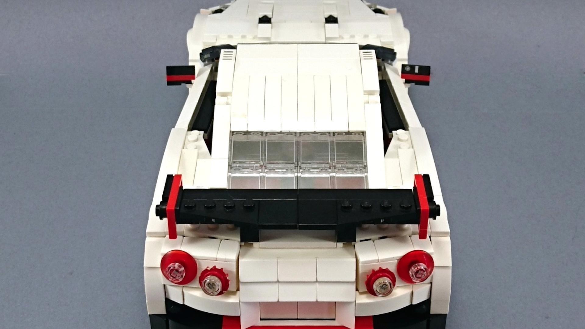 Lego_Nissan_GT-R_Nismo_08