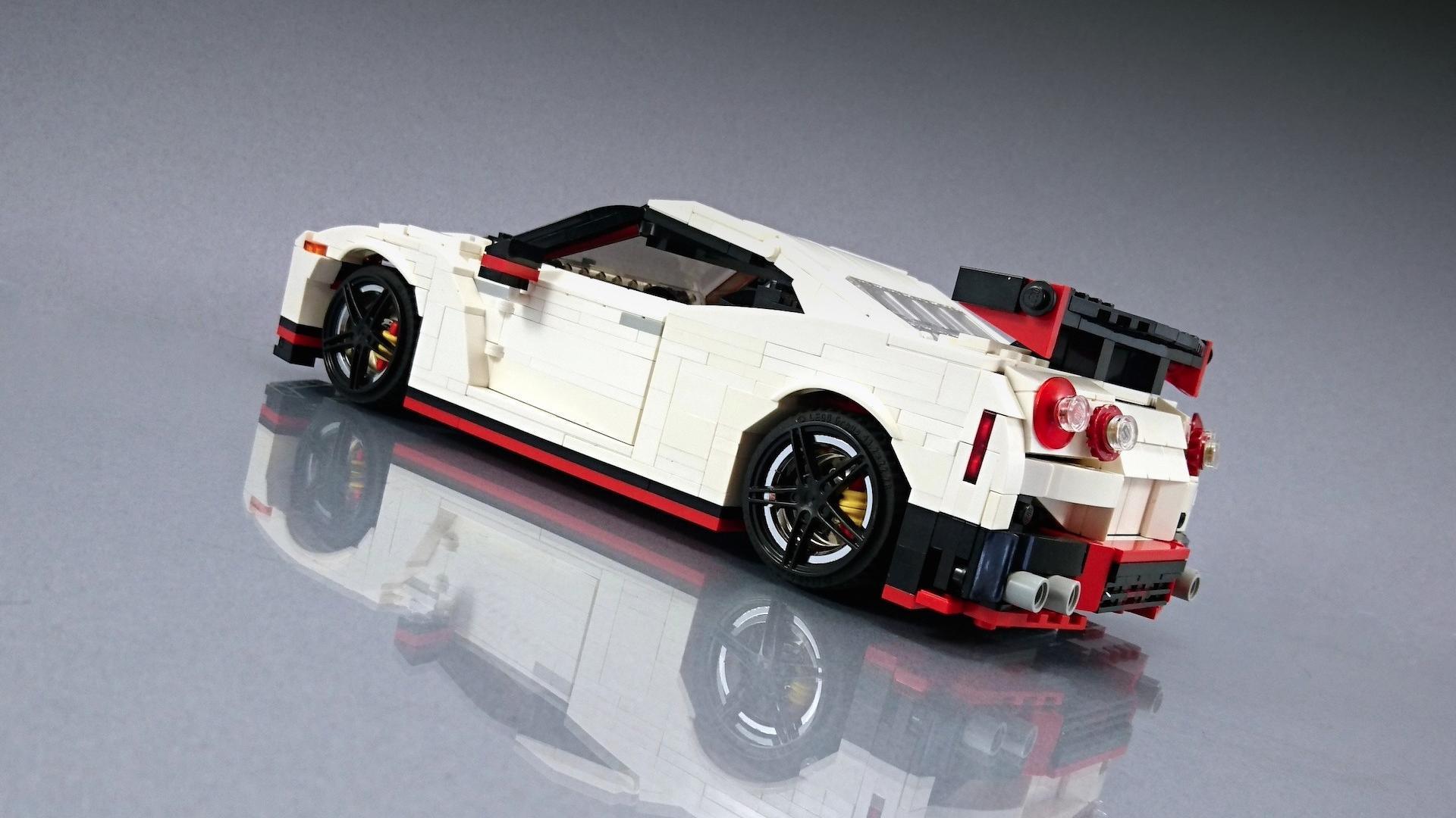 Lego_Nissan_GT-R_Nismo_10