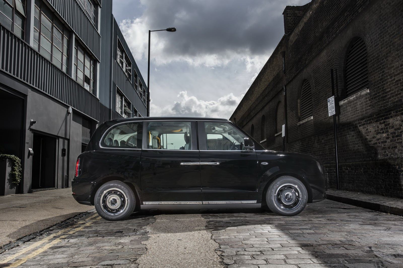 LEVC TX london ev taxi (2)