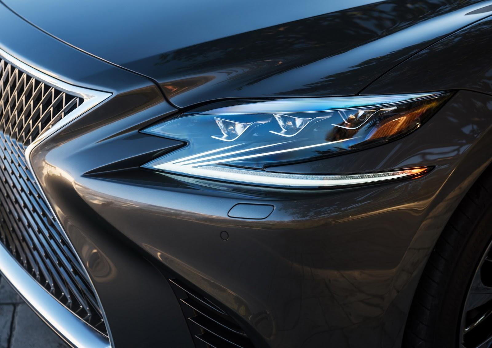 Lexus LS 2018 (13)