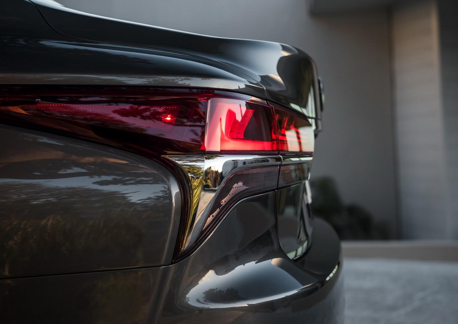 Lexus LS 2018 (15)