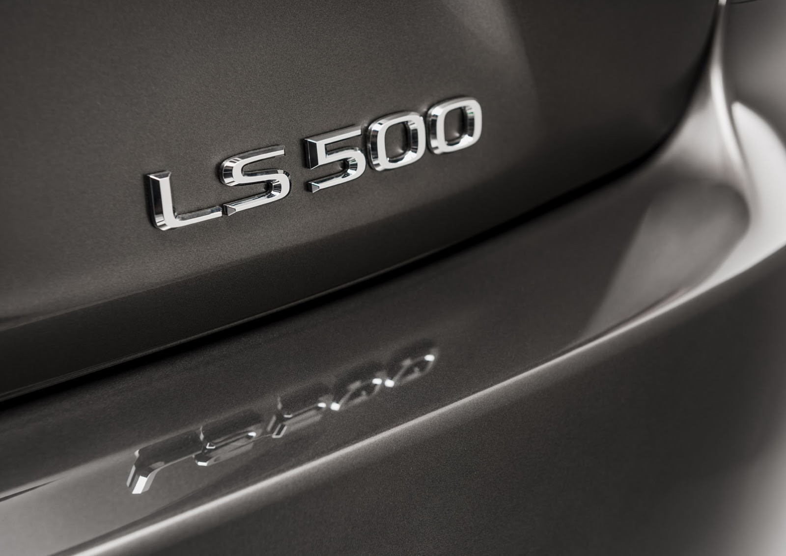 Lexus LS 2018 (16)