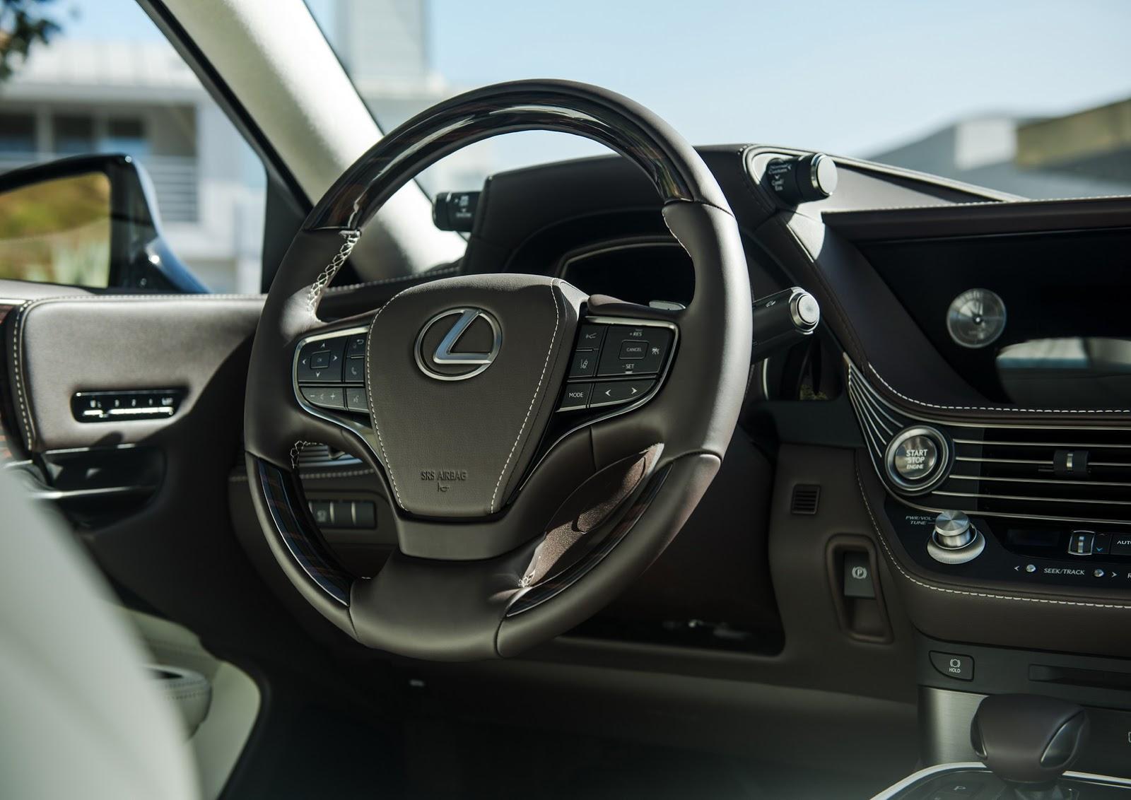 Lexus LS 2018 (19)