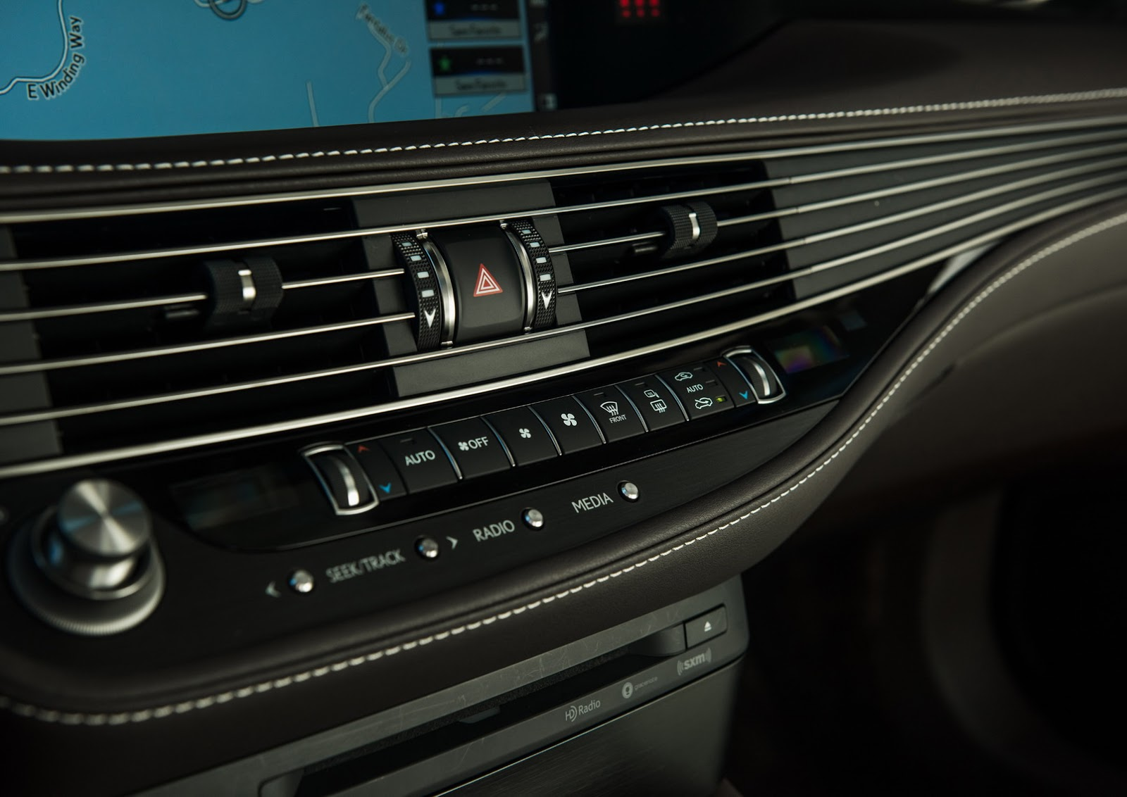 Lexus LS 2018 (26)