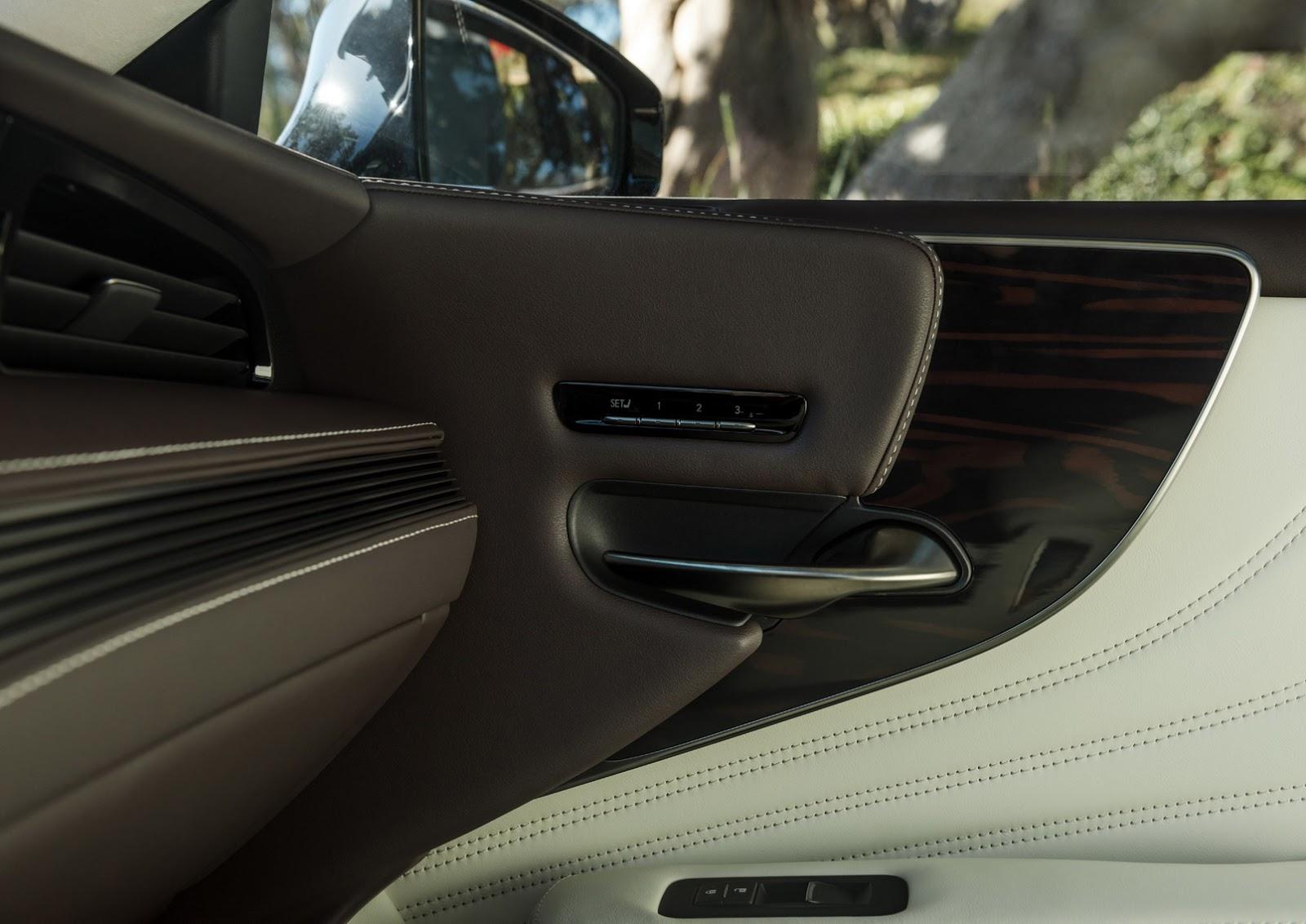 Lexus LS 2018 (30)