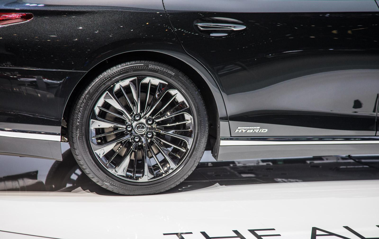 Lexus-LS-009