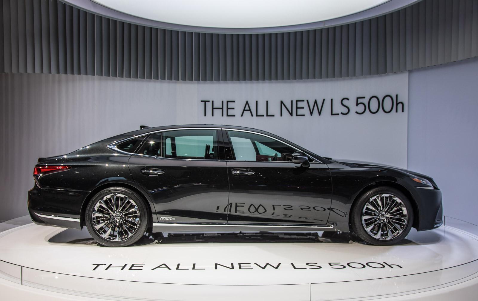 Lexus-LS-010