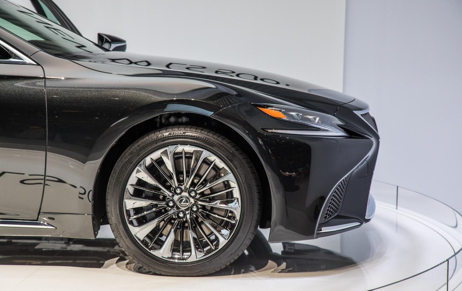 Lexus-LS-011
