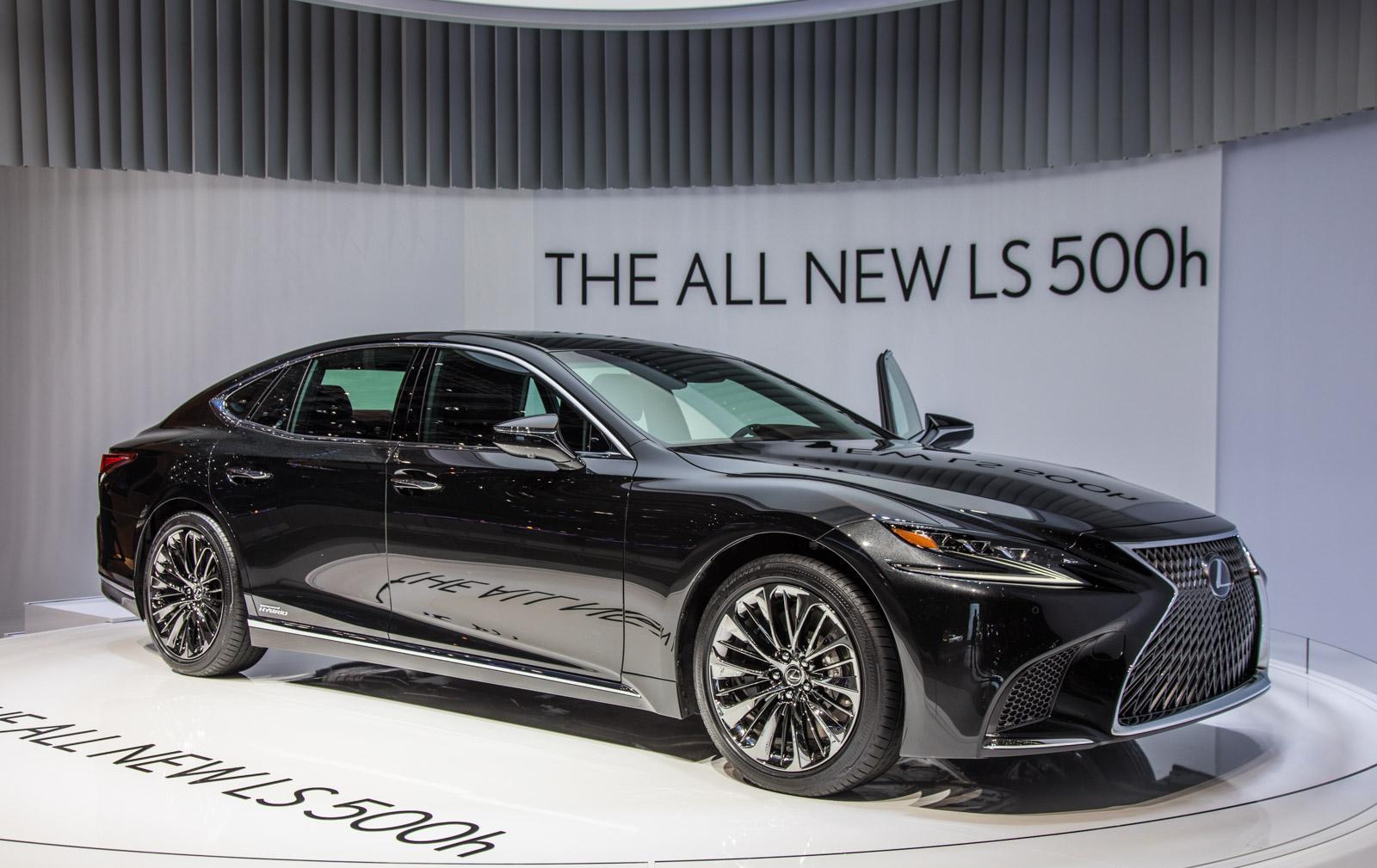 Lexus-LS-012