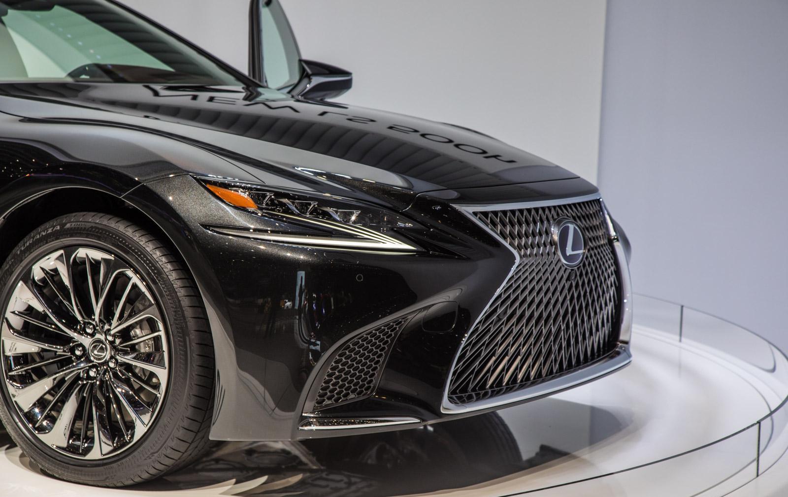 Lexus-LS-013