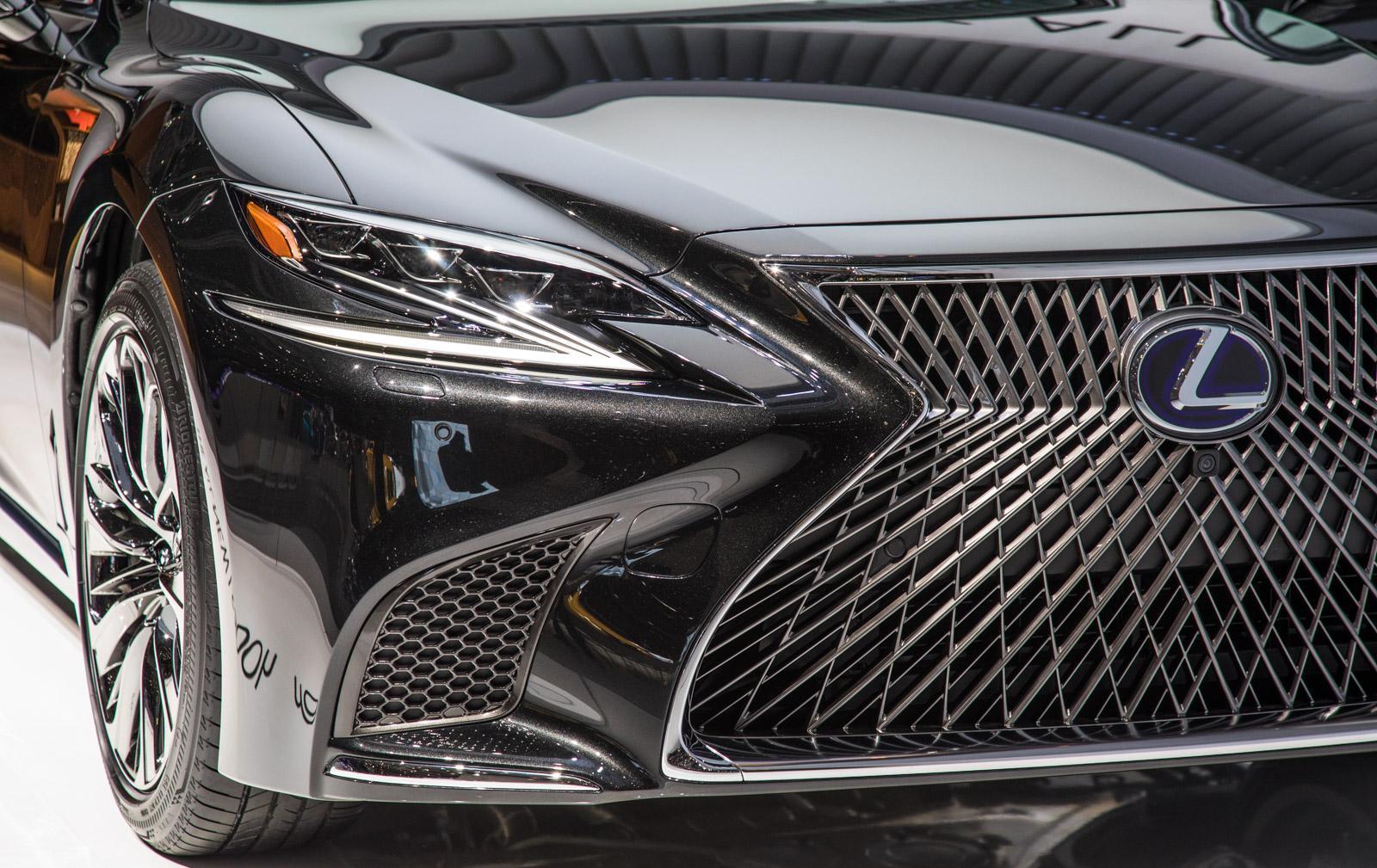 Lexus-LS-014