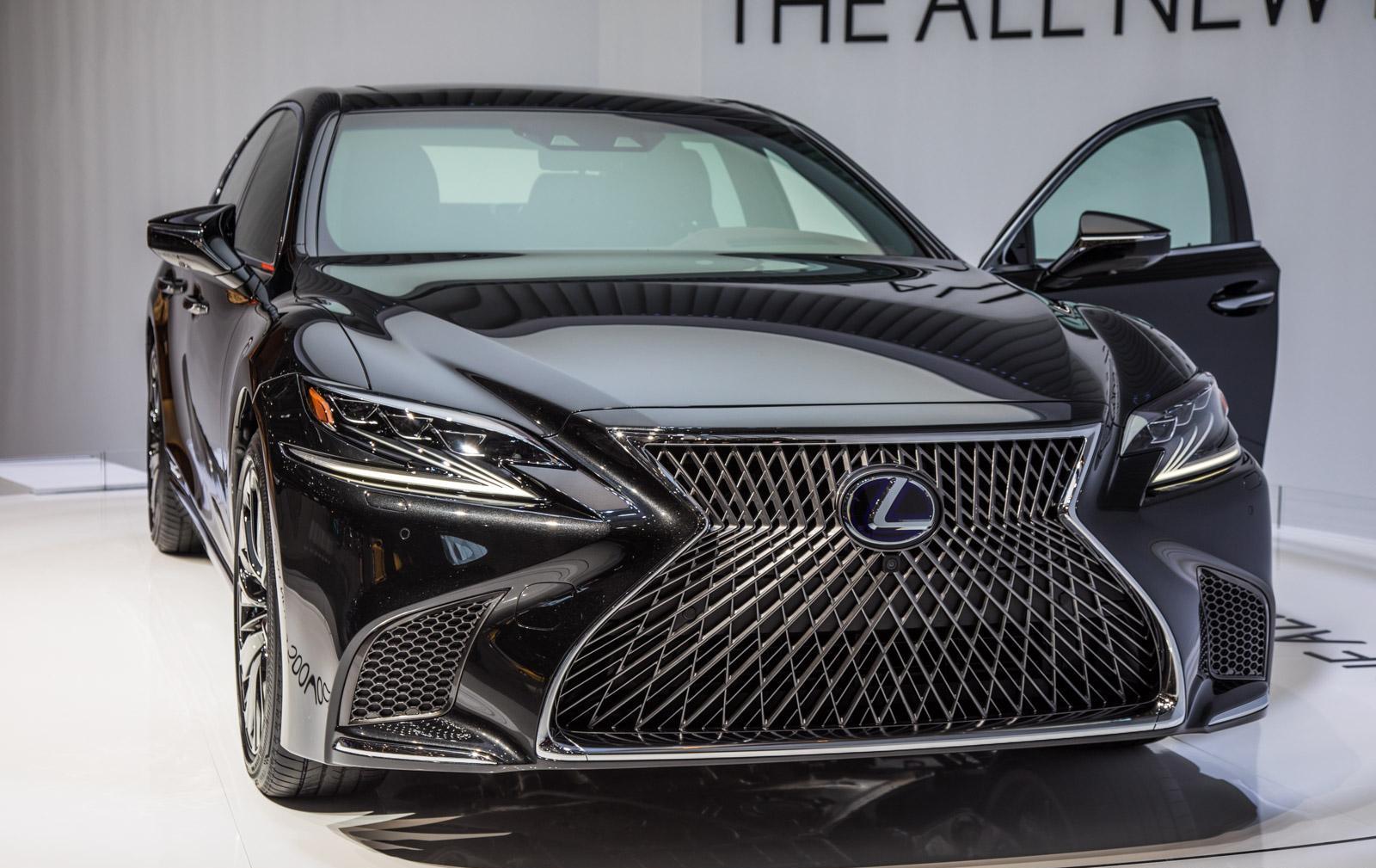 Lexus-LS-015