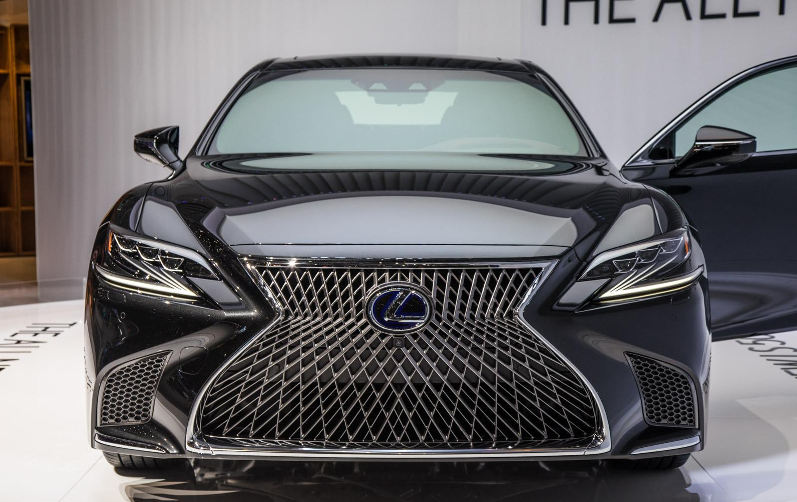 Lexus-LS-016