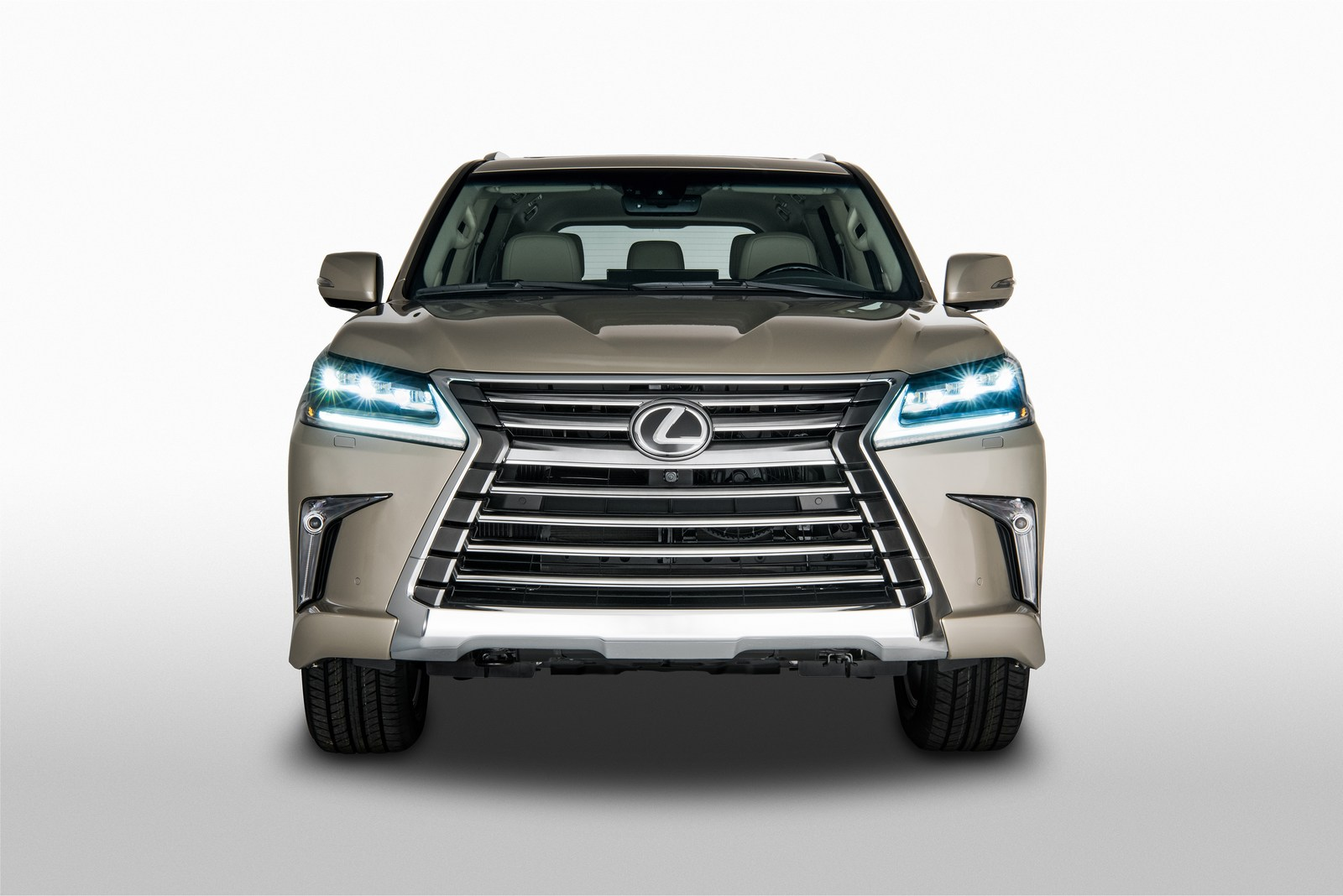 Lexus LX 570 2018 (2)
