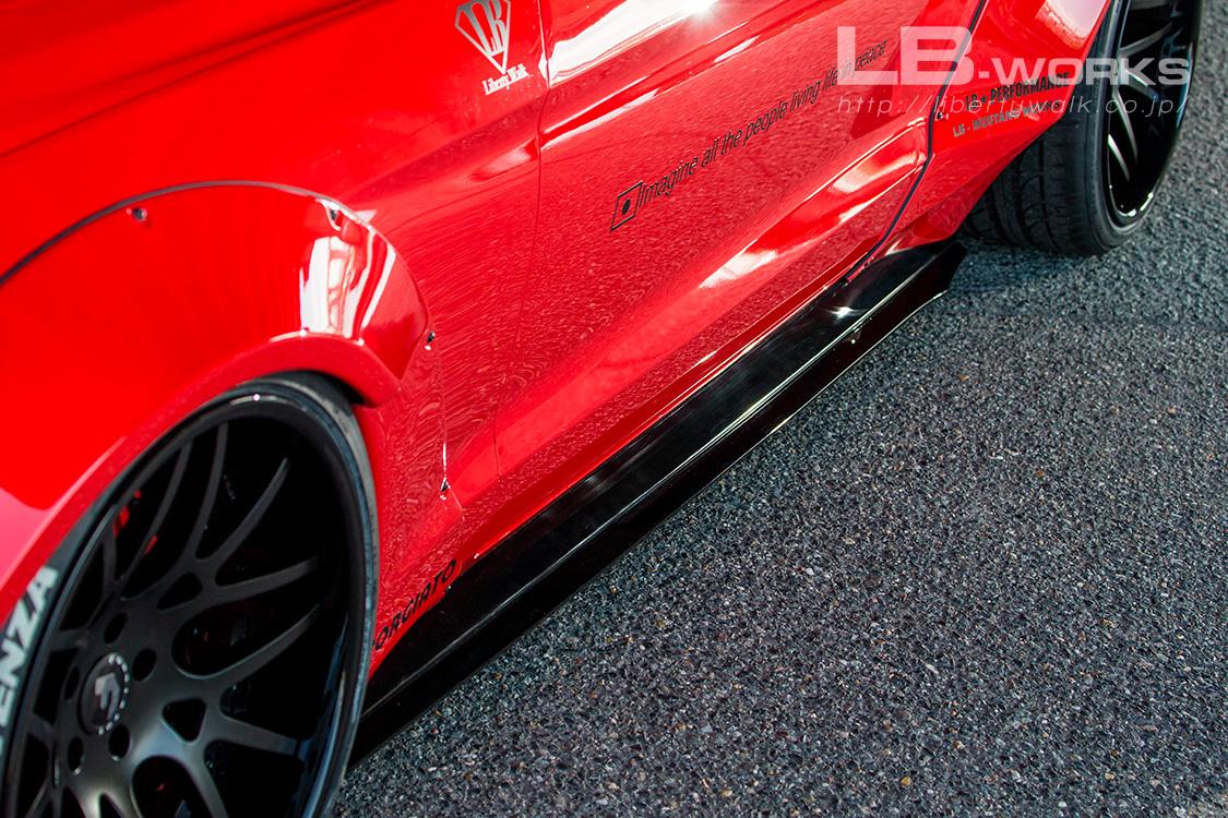 Liberty WalkLamborghini Aventador SV andFord Mustang (7)
