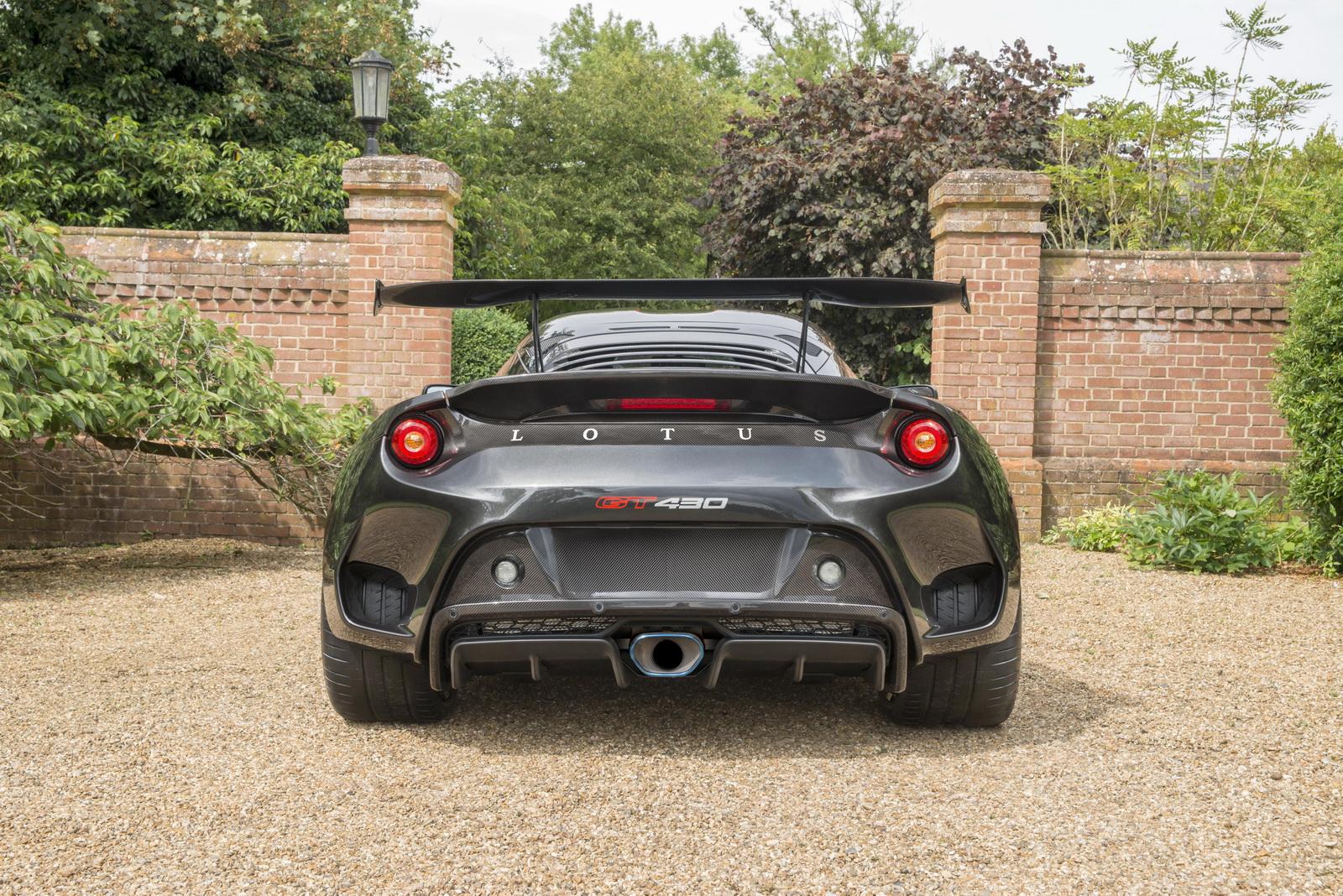 Lotus-Evora-GT430-02